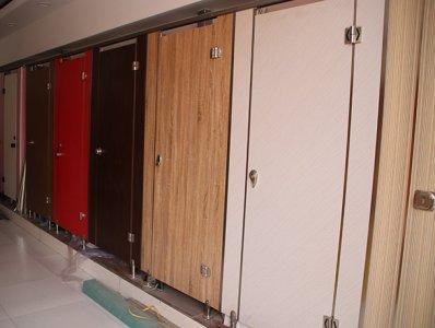 二环东路卫生间隔断安装